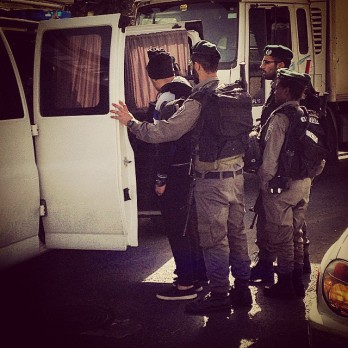CPT photo of Magav arresting Palestinian in East Jerusalem