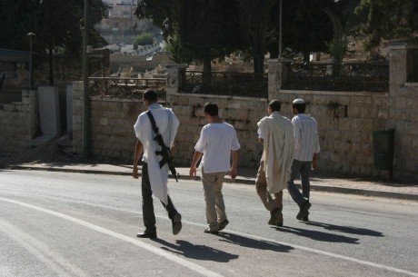armed-settlers-hebron