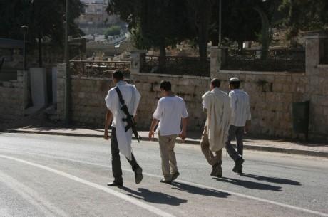 armed-settlers-hebron